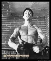 Брюс Ли, фото из фильма Путь дракона 00074